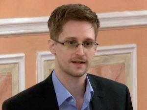 Сноуден смерть Макафи Ассанж