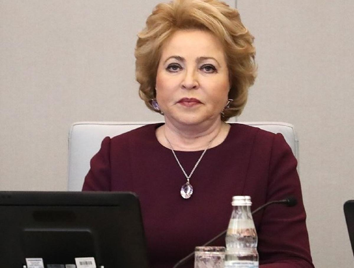 Матвиенко выступила против обязательной вакцинации от коронавируса в России