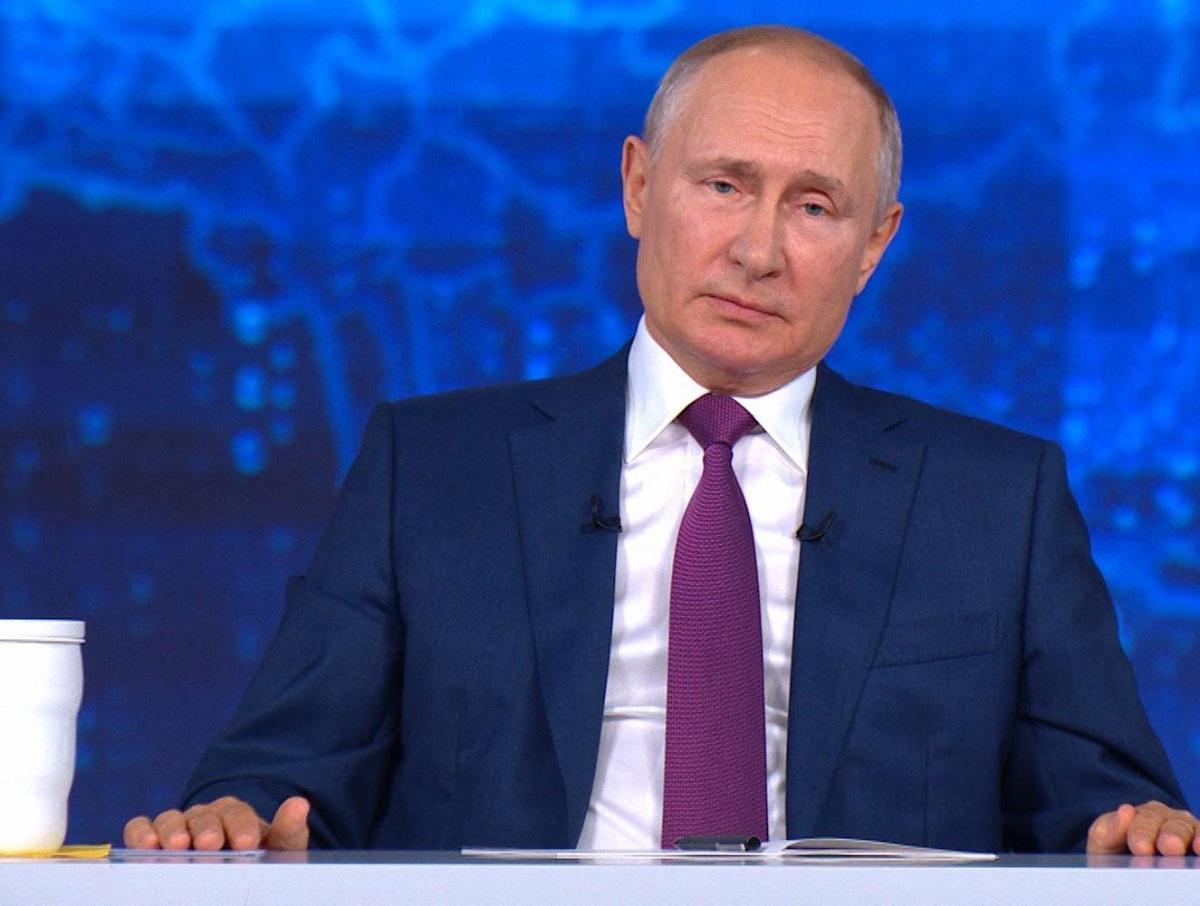 В Москве учительницу пообещали уволить из-за обращения к Путину на прямой линии