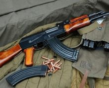 Видео, демонстрирующее, как работает винтовка AK-47, стало вирусным в Сети