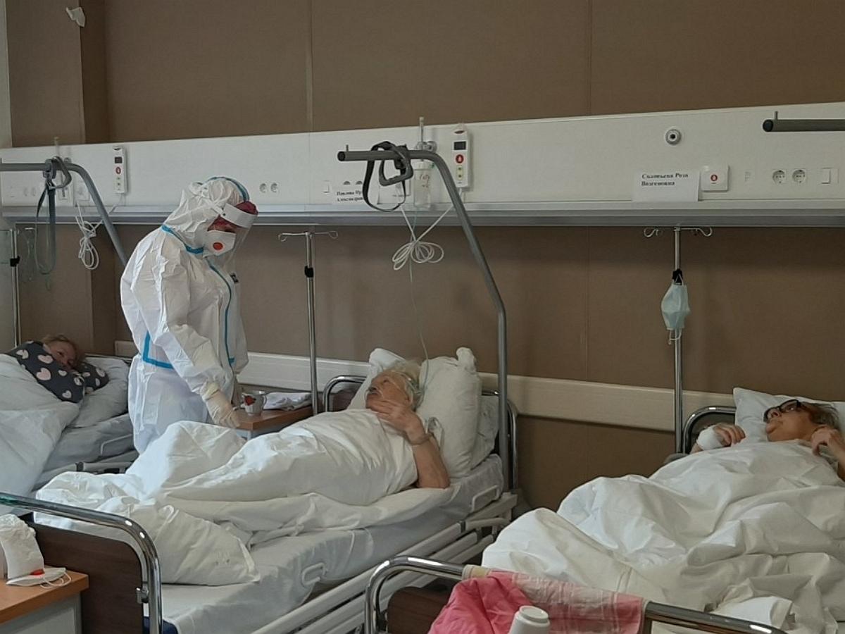 Москва вышла на антирекорд по числу госпитализаций из-за COVID-19