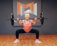 90-летняя бабушка полюбила фитнес и стала инструктором