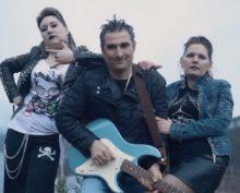 Родители выпускников из Читы отметились в Сети панк-клипом на мотив песни «Короля и шута»