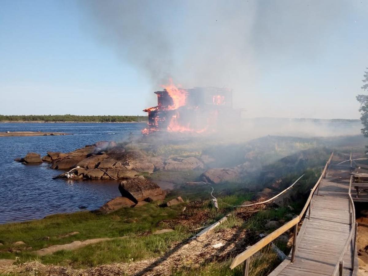 сгорела церковь из «Острова»