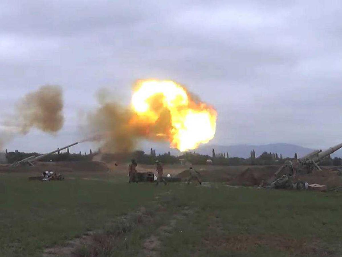 Азербайджан атаковал Армению