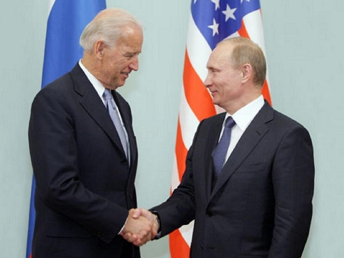 Байден и Путин поговорили по телефону: СМИ выяснили тему беседы
