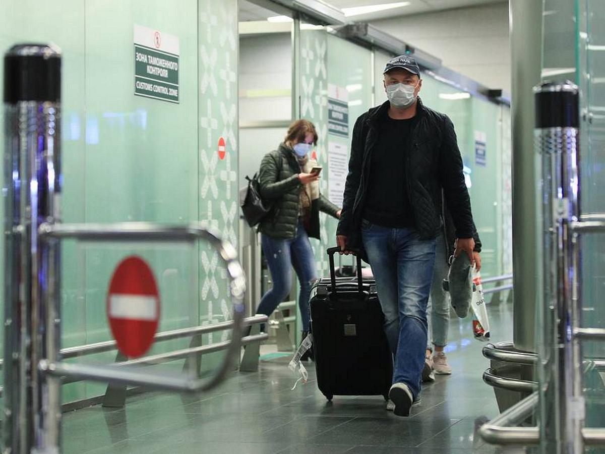 Для привитых россиян от COVID-19 при возвращении в страну отменено тестирование