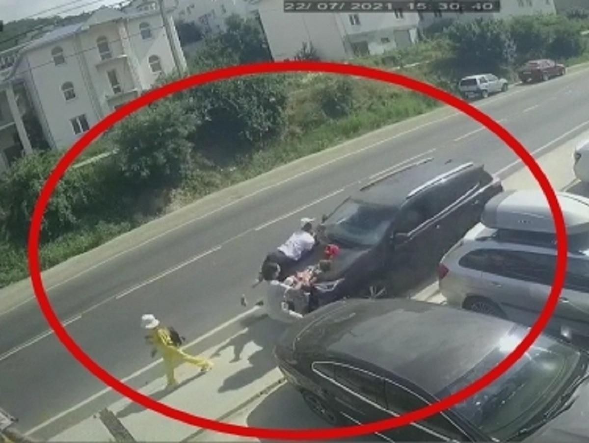 Уснувший за рулем водитель в Анапе сбил на тротуаре шестерых человек