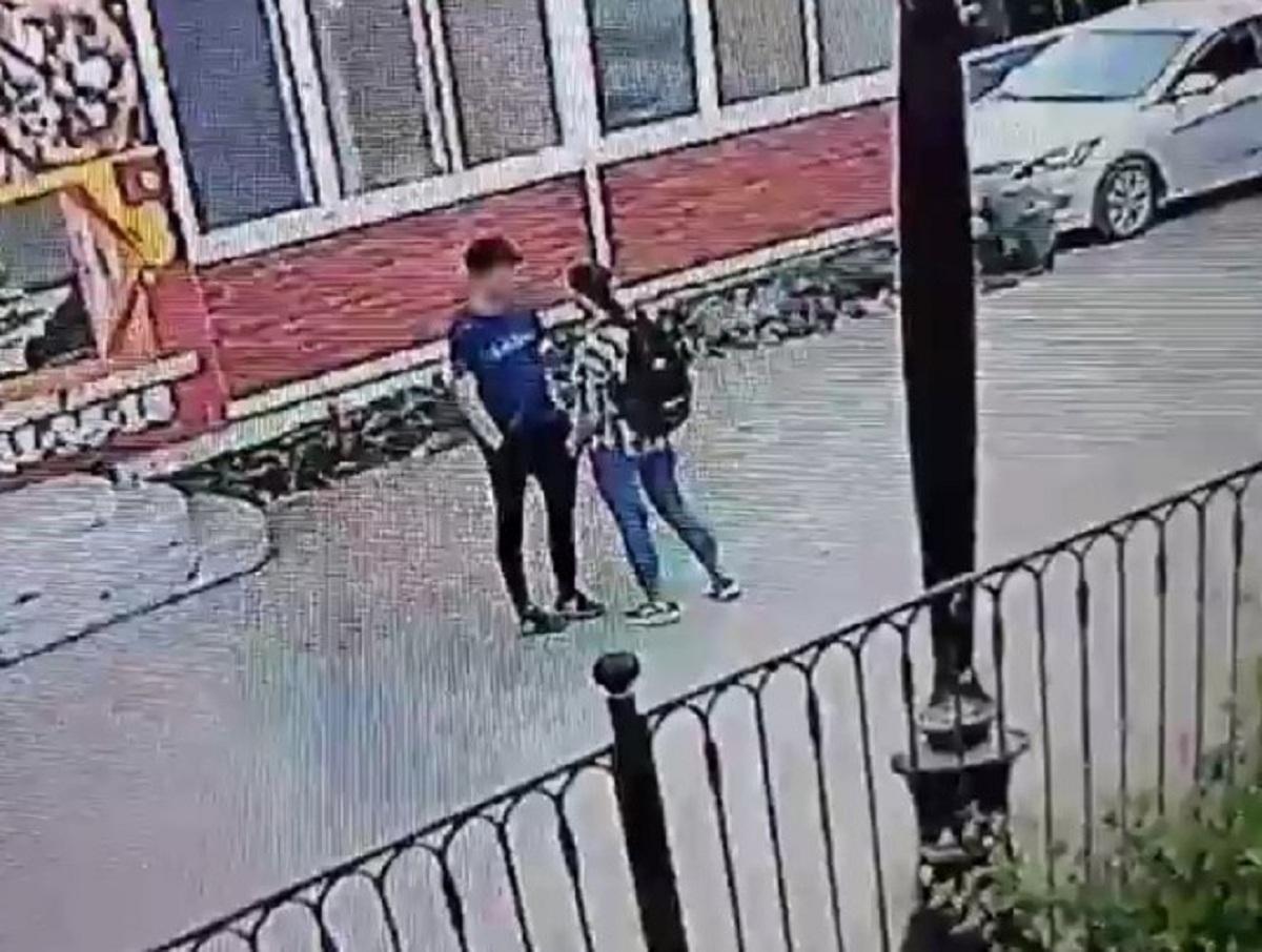 «В фонтане нож помыла»: в Приангарье 16-летняя девушка зарезала школьника на улице