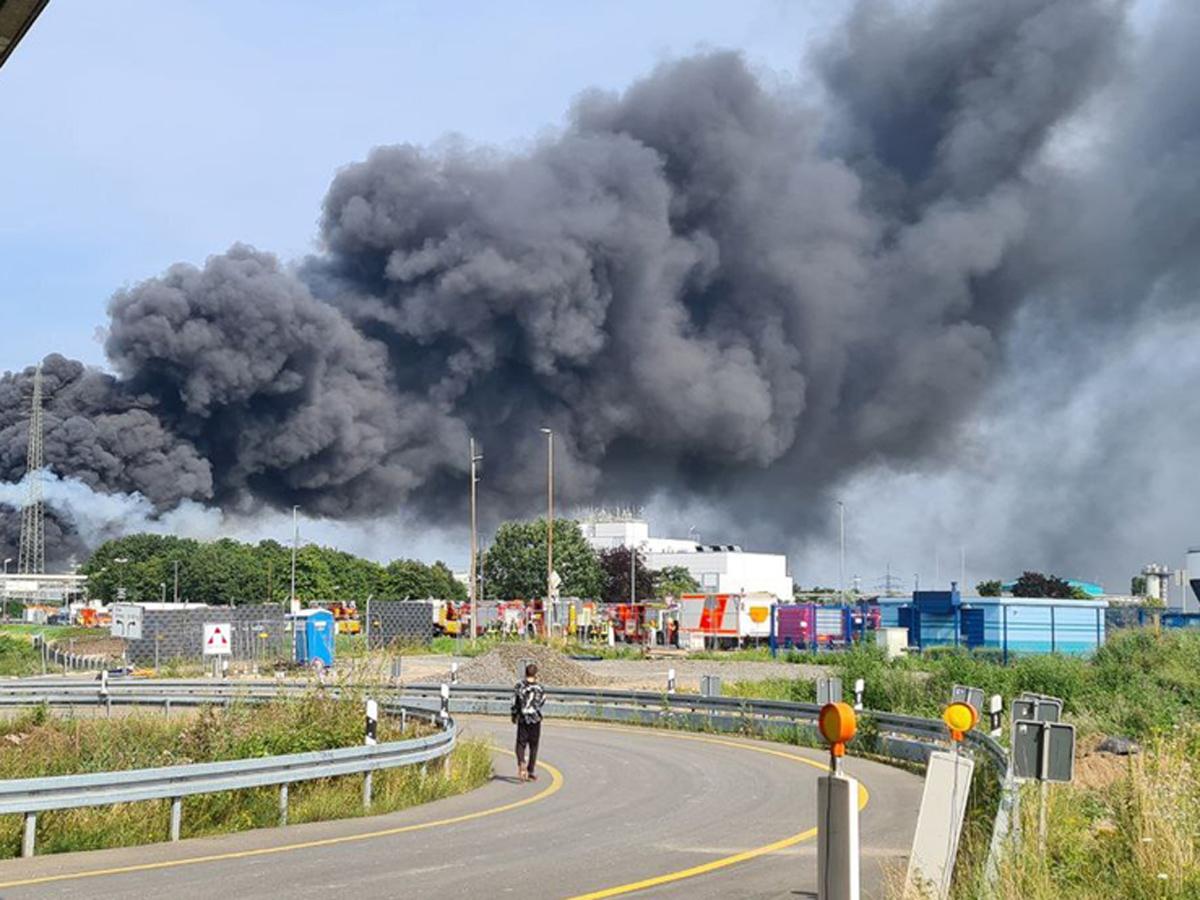 Германия пожар на «Байер»