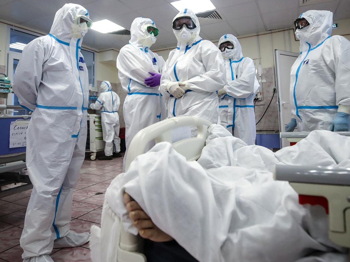 Ученые СПбПУ спрогнозировали пик заболеваемости коронавирусом в Москве