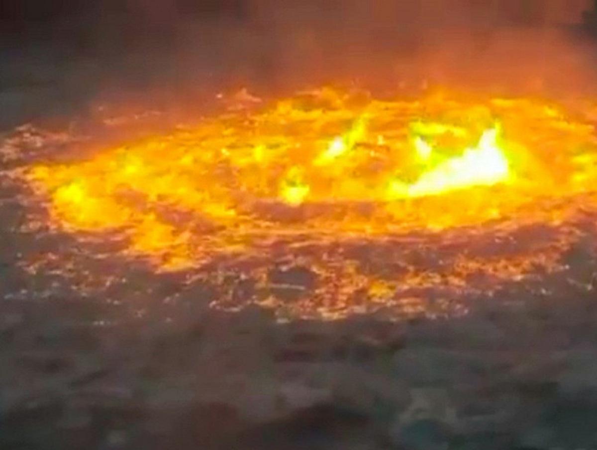 Мощный пожар на газопроводе в Мексиканском заливе засняли на видео