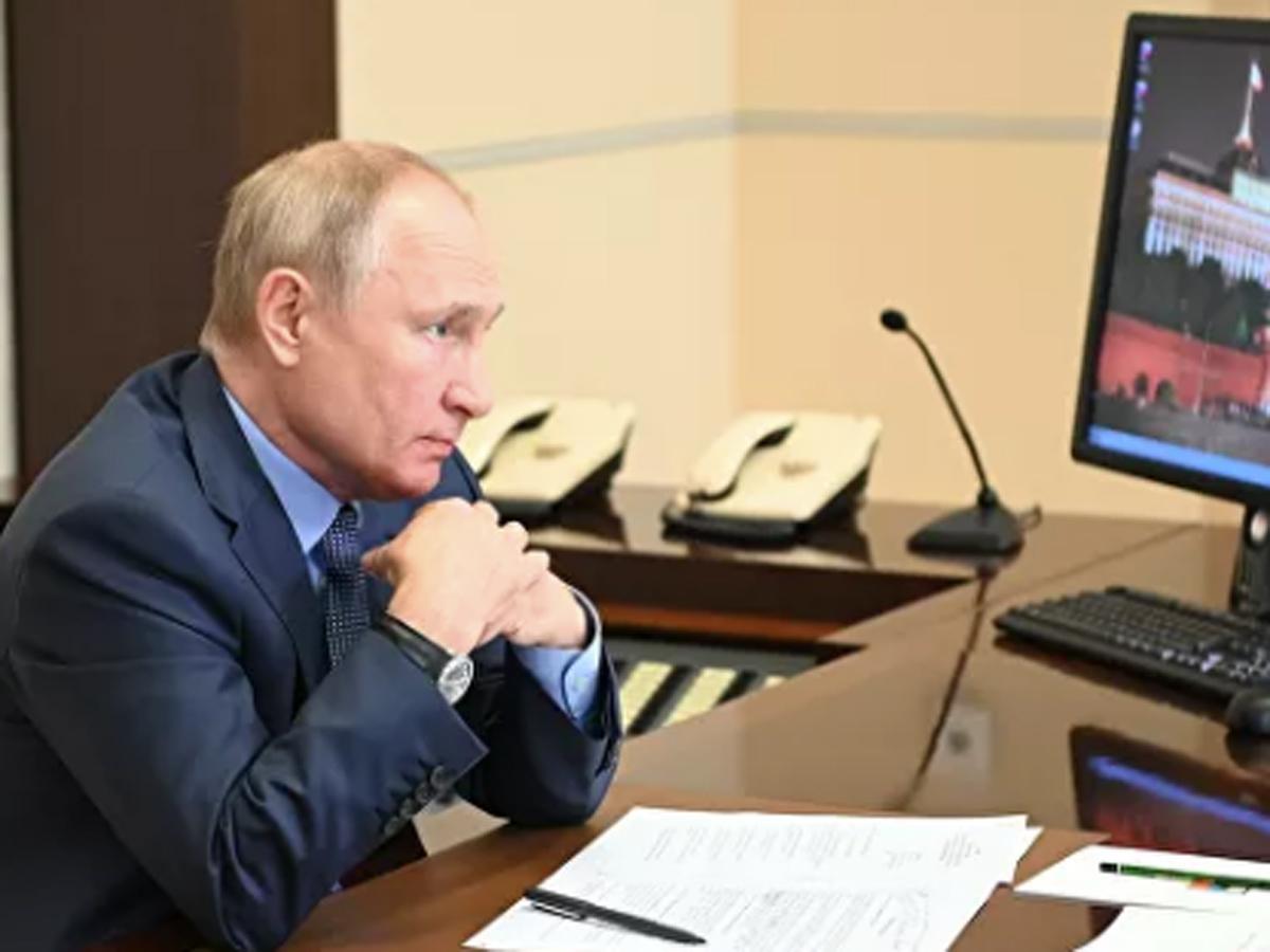 Путин школьные выплаты