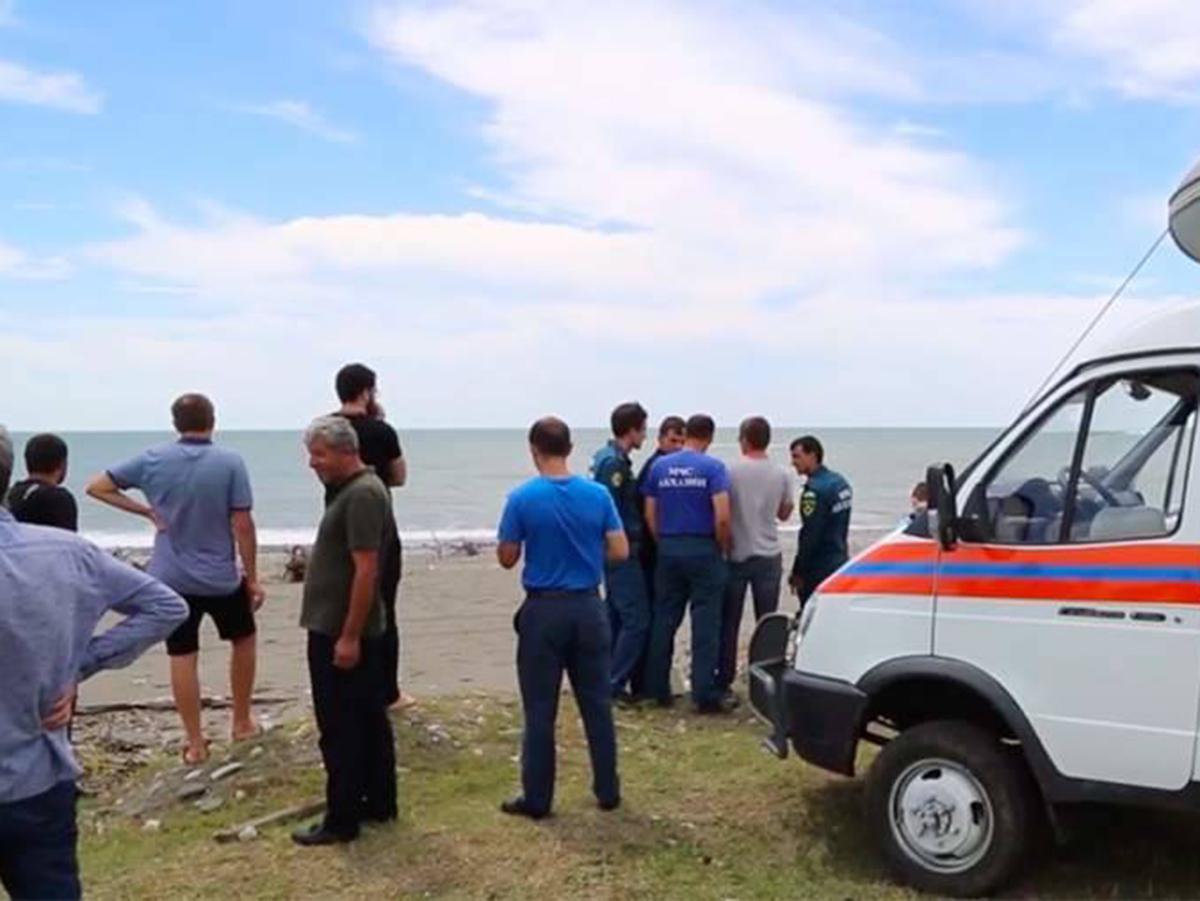 Россиянку с тремя детьми унесло в море