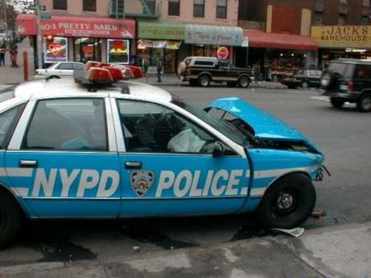 Американский полицейский спас жизнь раненому с помощью чипсов и скотча
