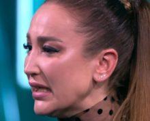 Ольга Бузова расплакалась при виде греческих крыш и несвязно попыталась объясниться