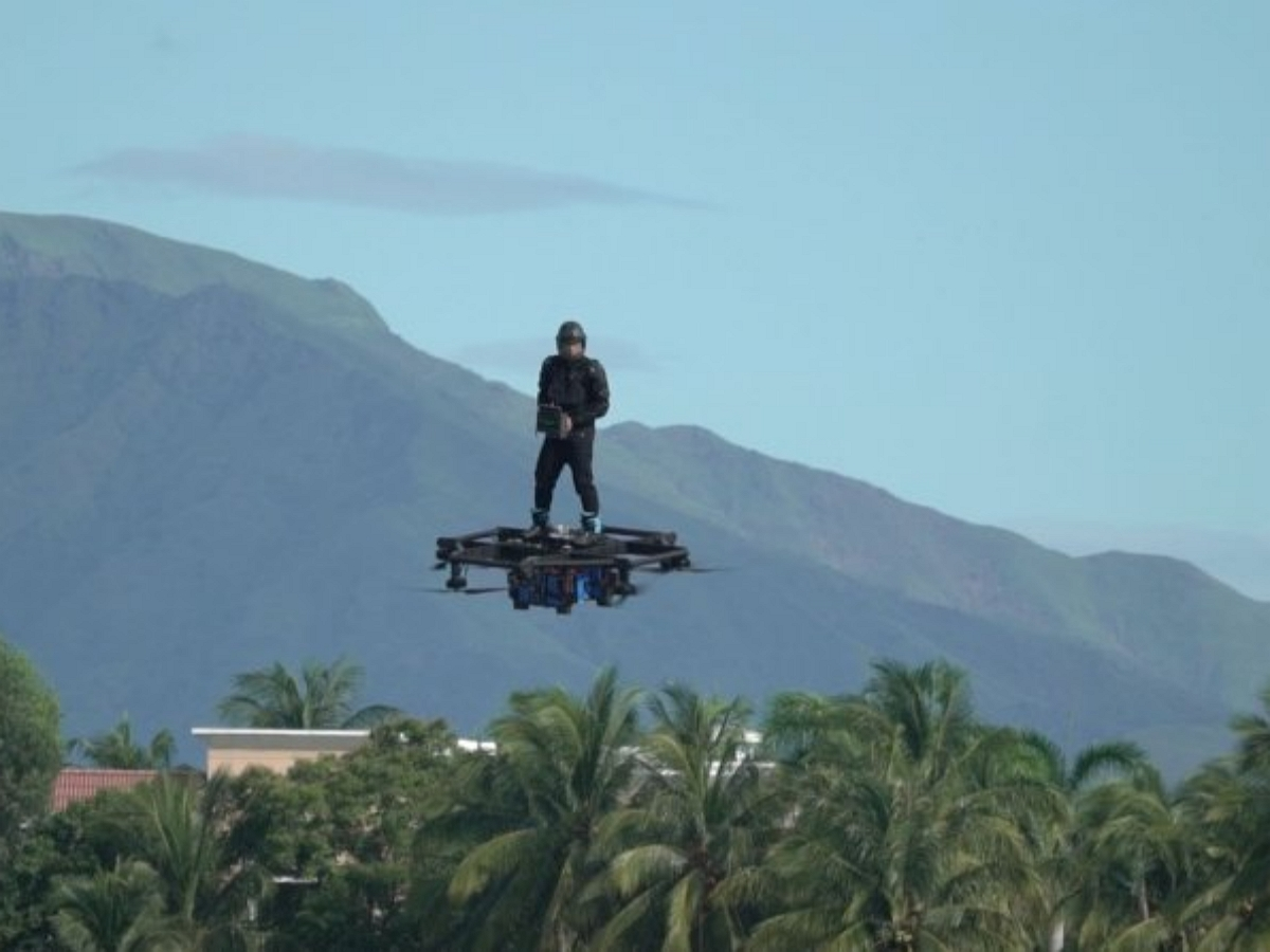 Филиппинец создал летающий автомобиль, не имея технических навыков