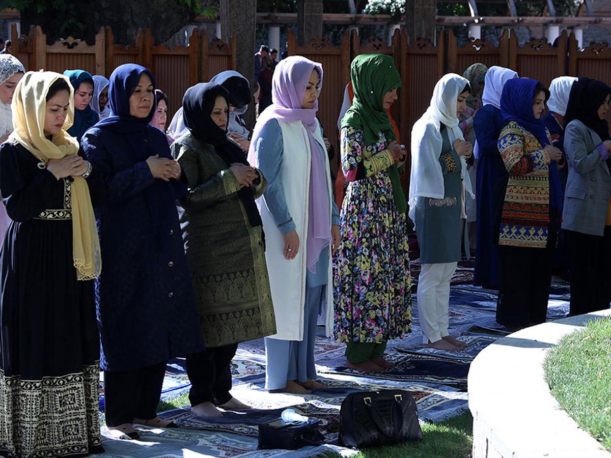Афган женщины остаться дома