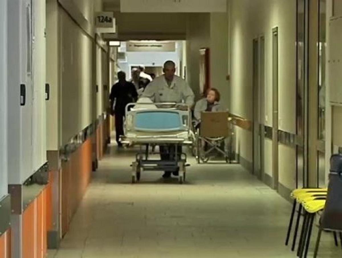 В больнице Мурманска на умершего от COVID-19 пациента пытались взять кредит