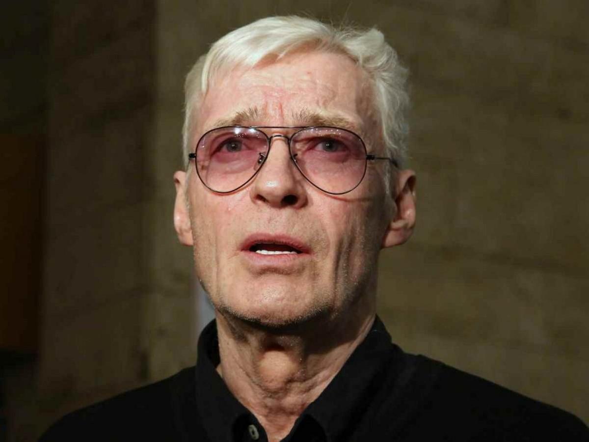 Актера Бориса Щербакова госпитализировали в Москве с подозрением на COVID-19