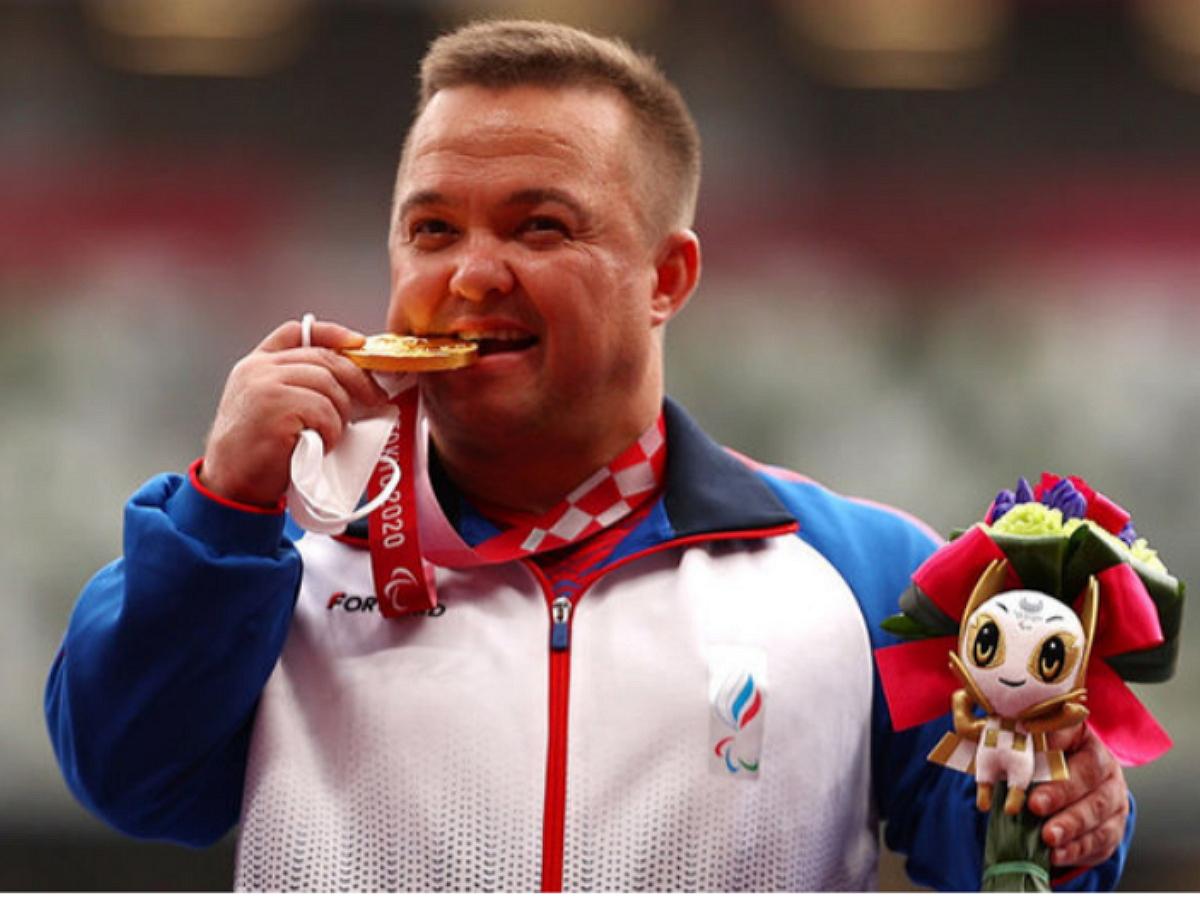 Россиянин Гнездилов выиграл золото Паралимпиады-2021 в толкании ядра с мировым рекордом