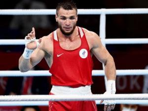 Российский боксер Имам Хатаев завоевал бронзу турнире на Олимпиаде в Токио