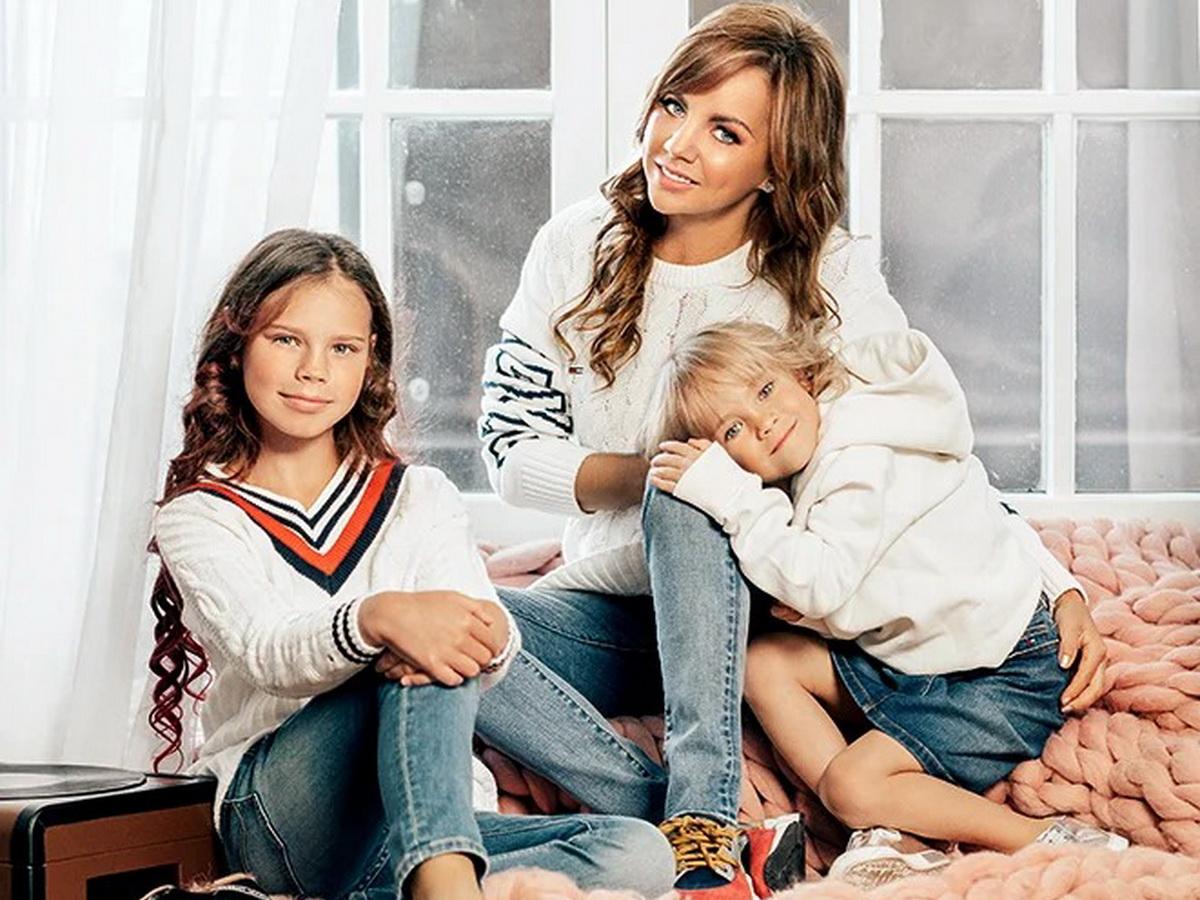 МакSсим с дочками