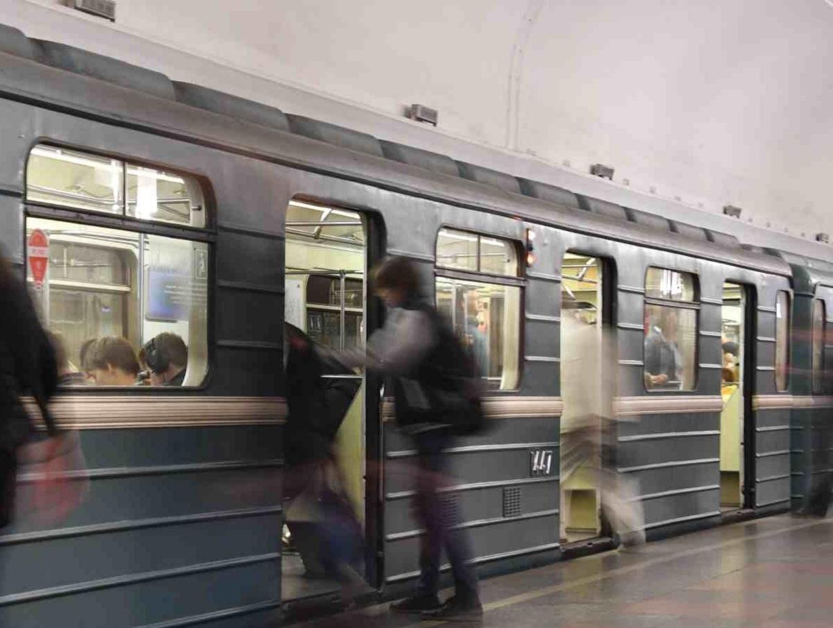 В Москве пассажиры метро избили семью мальчика с аутизмом