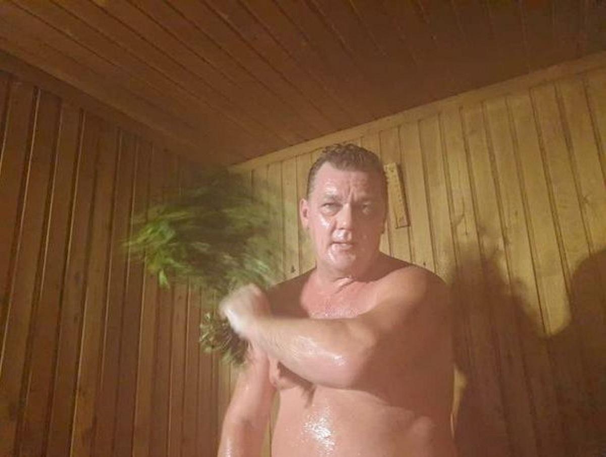 «Сохраним баню вместе!»: хакасский мэр опубликовал голое фото и видео