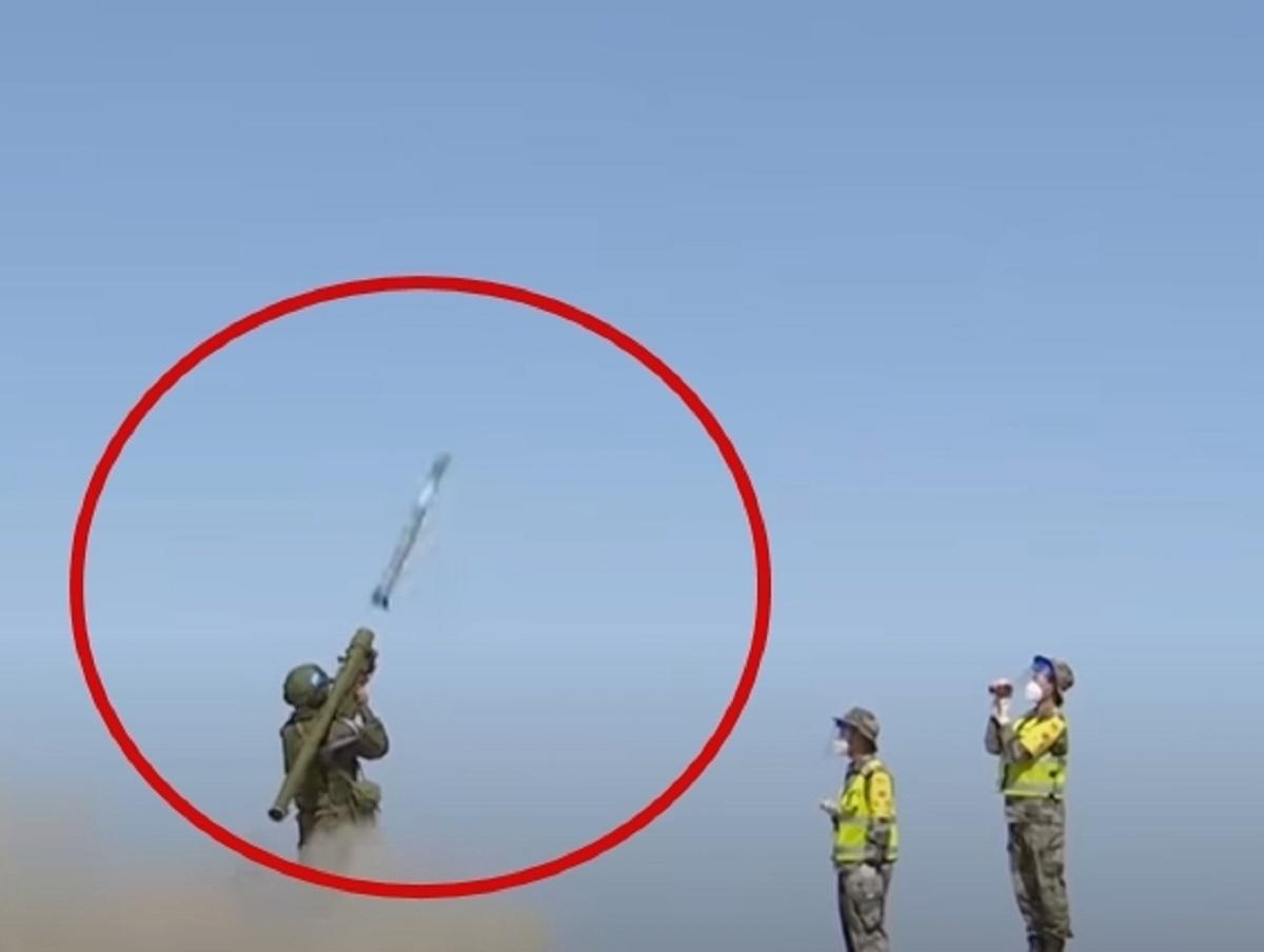 Российский зенитчик попал из ПЗРК по китайской ракете, восхитив Сеть