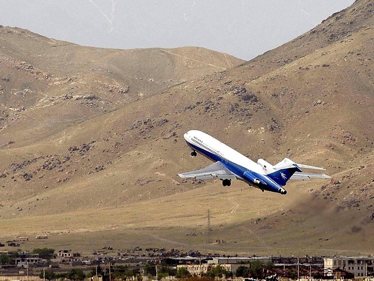 Узбекистан сбил самолет афганских ВВС: двое военных выжили