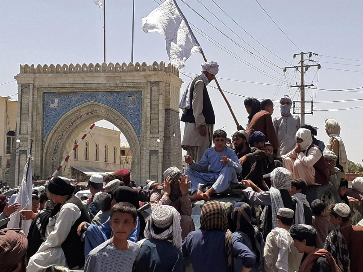 «Талибан»* ведет наступление на Кабул: устранено последнее препятствие