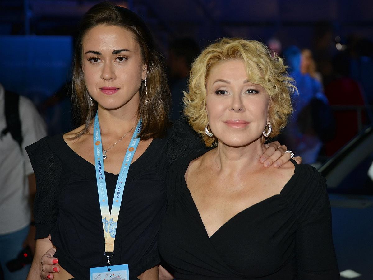 Любовь Успенская вновь отправила дочь на лечение в клинику