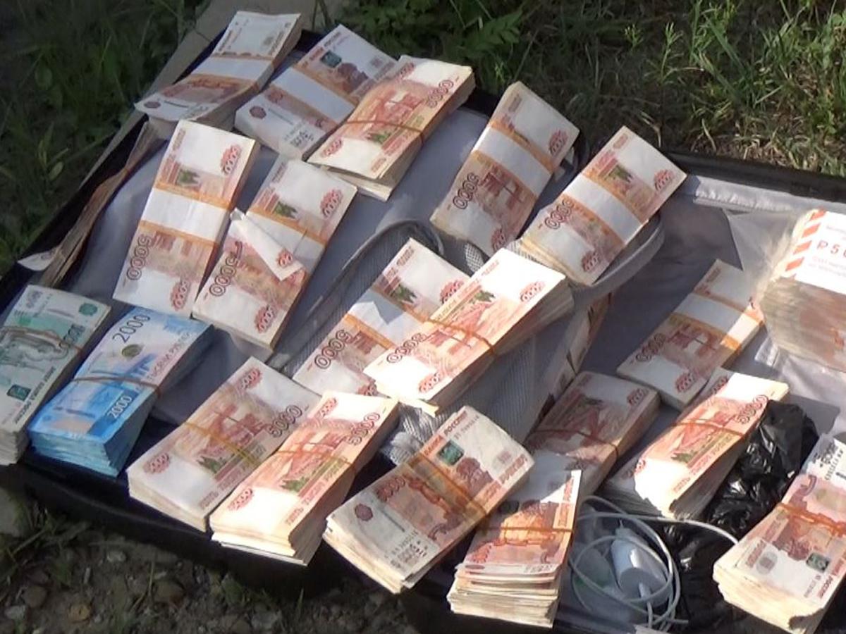 азербайджанец чемодан с 15 млн