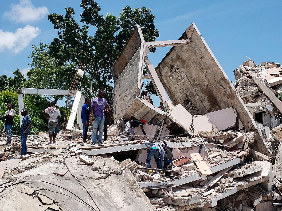 Более 300 человек стали жертвами землетрясения на Гаити
