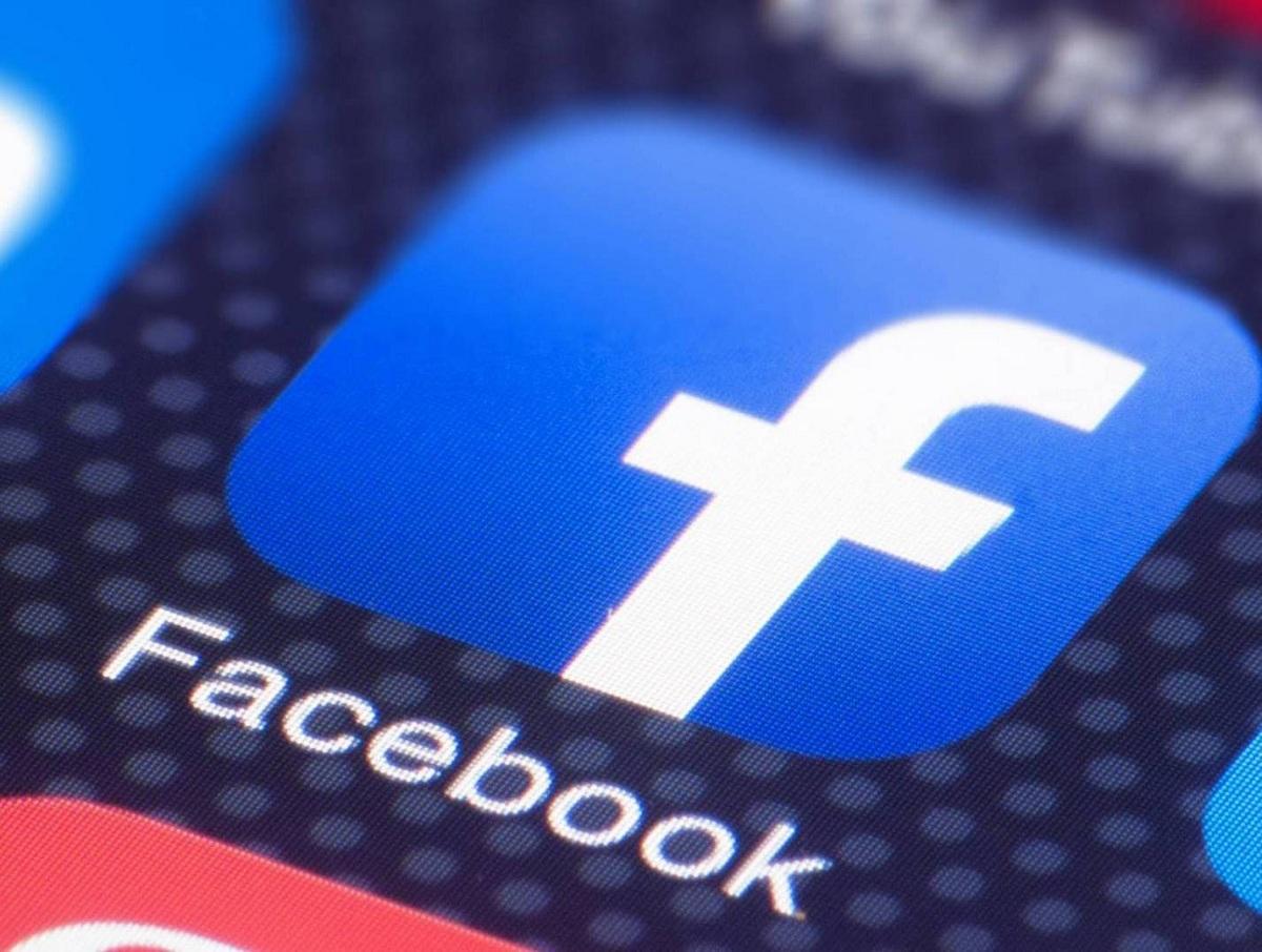Россия оштрафовала Facebook, Twitter и WhatsApp на 36 млн рублей