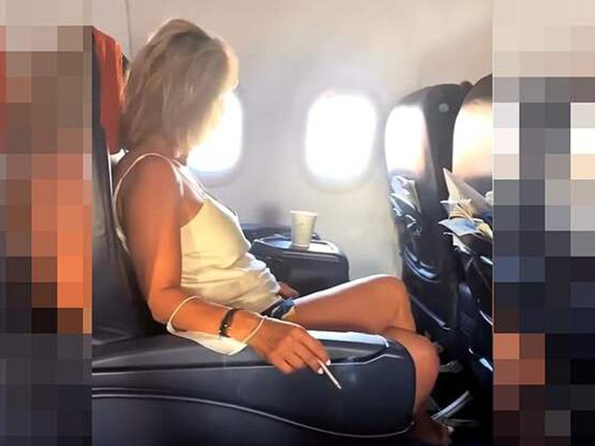 курившая авиапассажирка из РФ