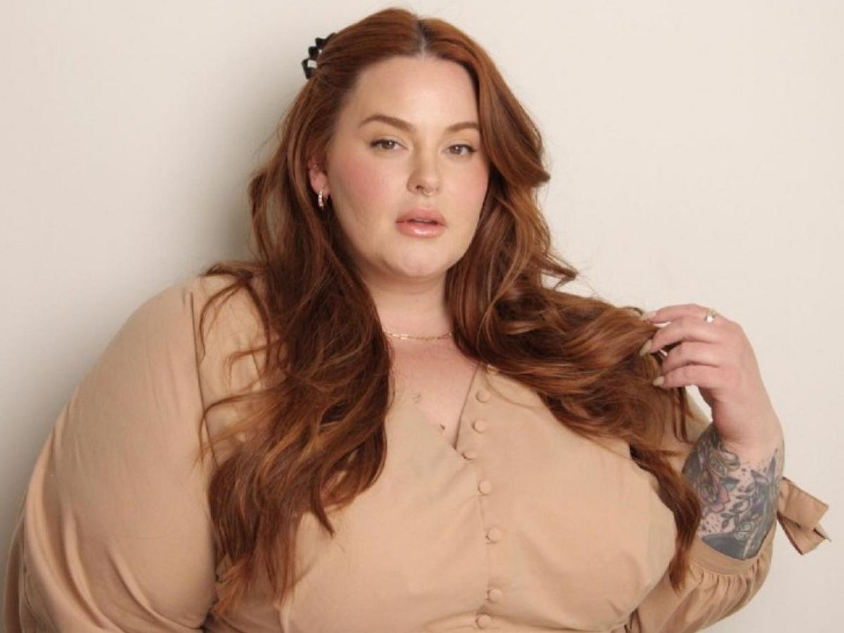 Самая крупная в мире модель плюс-сайз показала свою фигуру в бикини