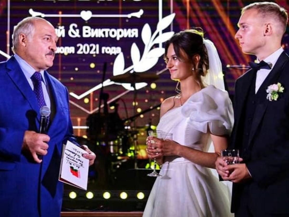 Стала известно, кем является муж внучки Лукашенко
