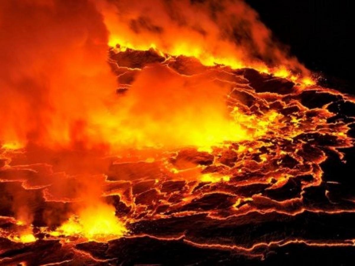 Раскаленная лава стерла с лица земли церковь на острове Ла-Пальма