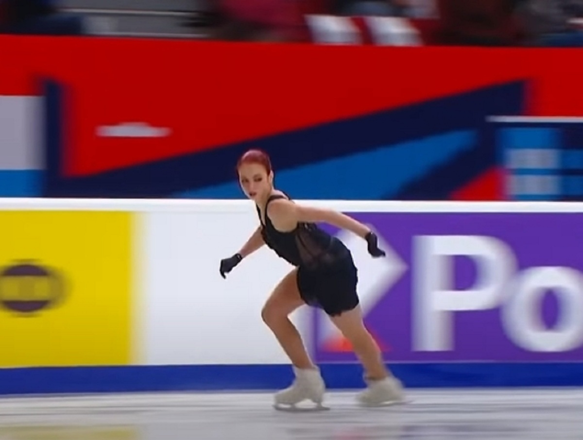 Александра Трусова исполнила пять четверных прыжков, восхитив россиян