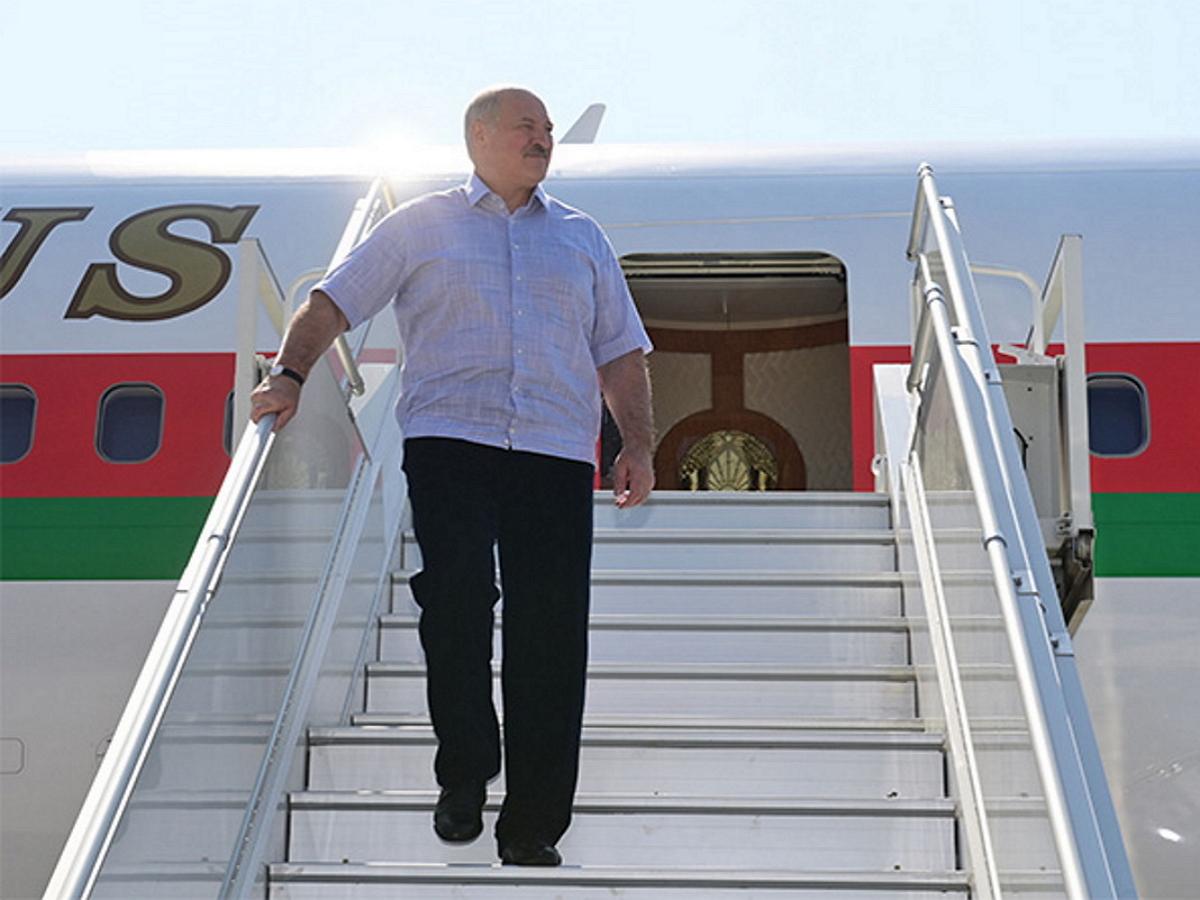 СМИ: Александр Лукашенко приехал с частным визитом в Сочи