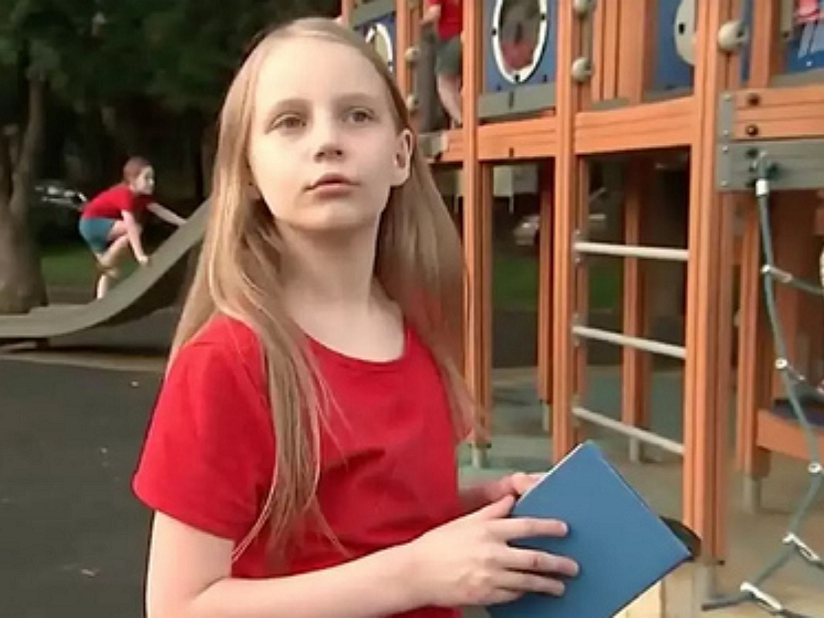 СМИ: отец поступившей в МГУ 9-летней Алисы Тепляковой начал конфликтовать с ее сокурсницами