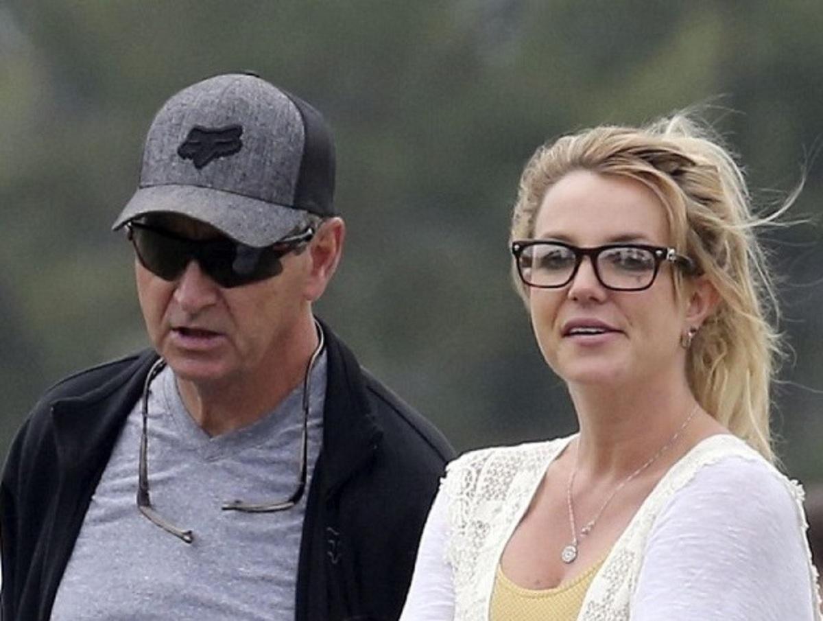 «Она разрыдалась»: Бритни Спирс избавилась от опеки отца спустя 13 лет