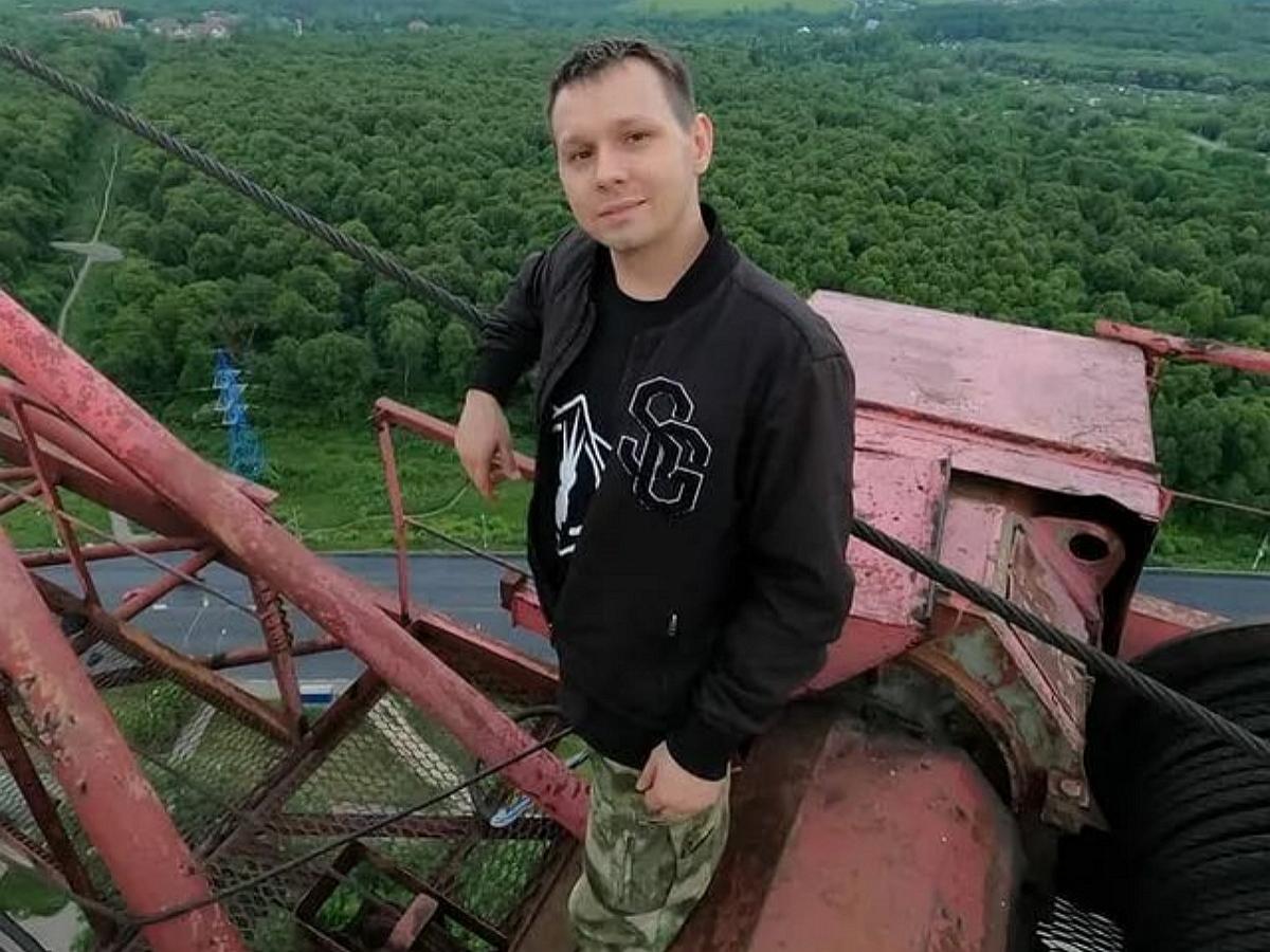 В Москве известный блогер погиб, сорвавший вместе с лестницей