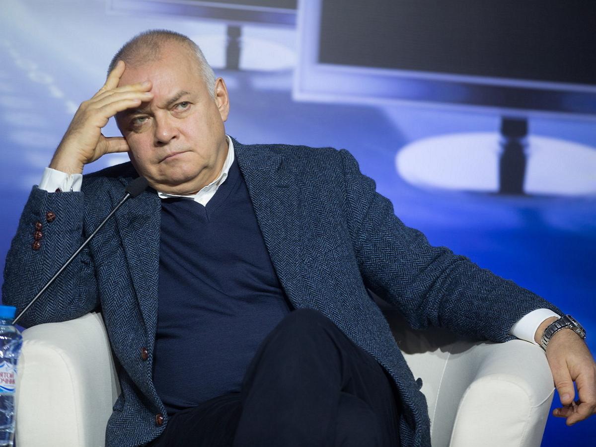 Телеведущий Дмитрий Киселев госпитализирован с подозрением на COVID-19