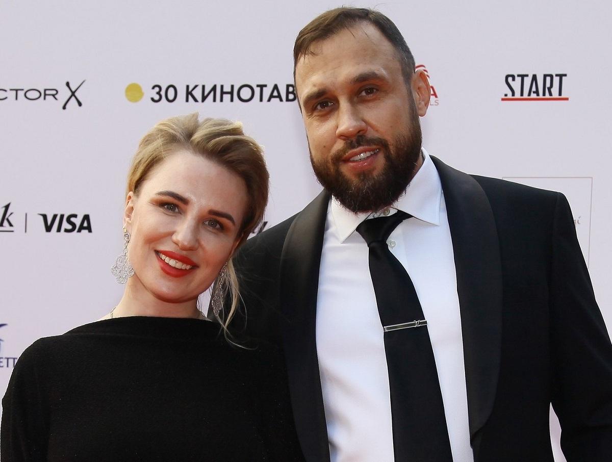СМИ: полиция пришла с обыском к мужу Валерии Гай Германики