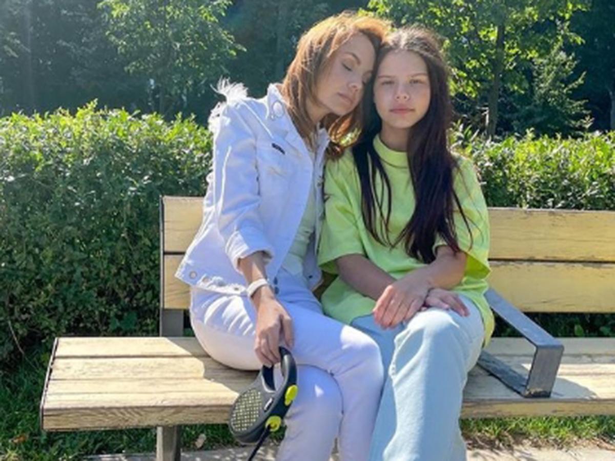 Максим с дочерью свежее фото