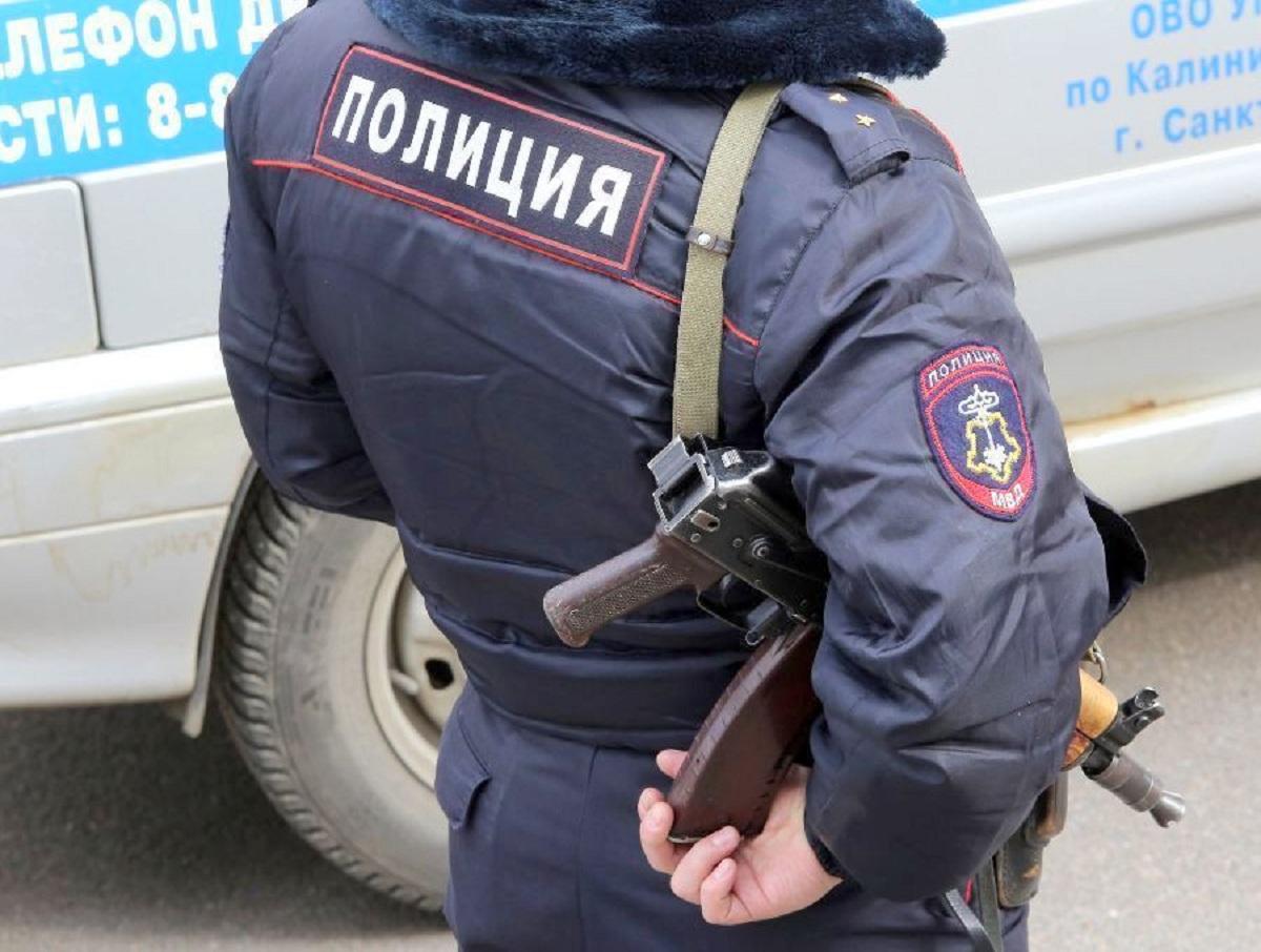 СМИ: 15-летняя школьница хотела взорвать школу в Омске