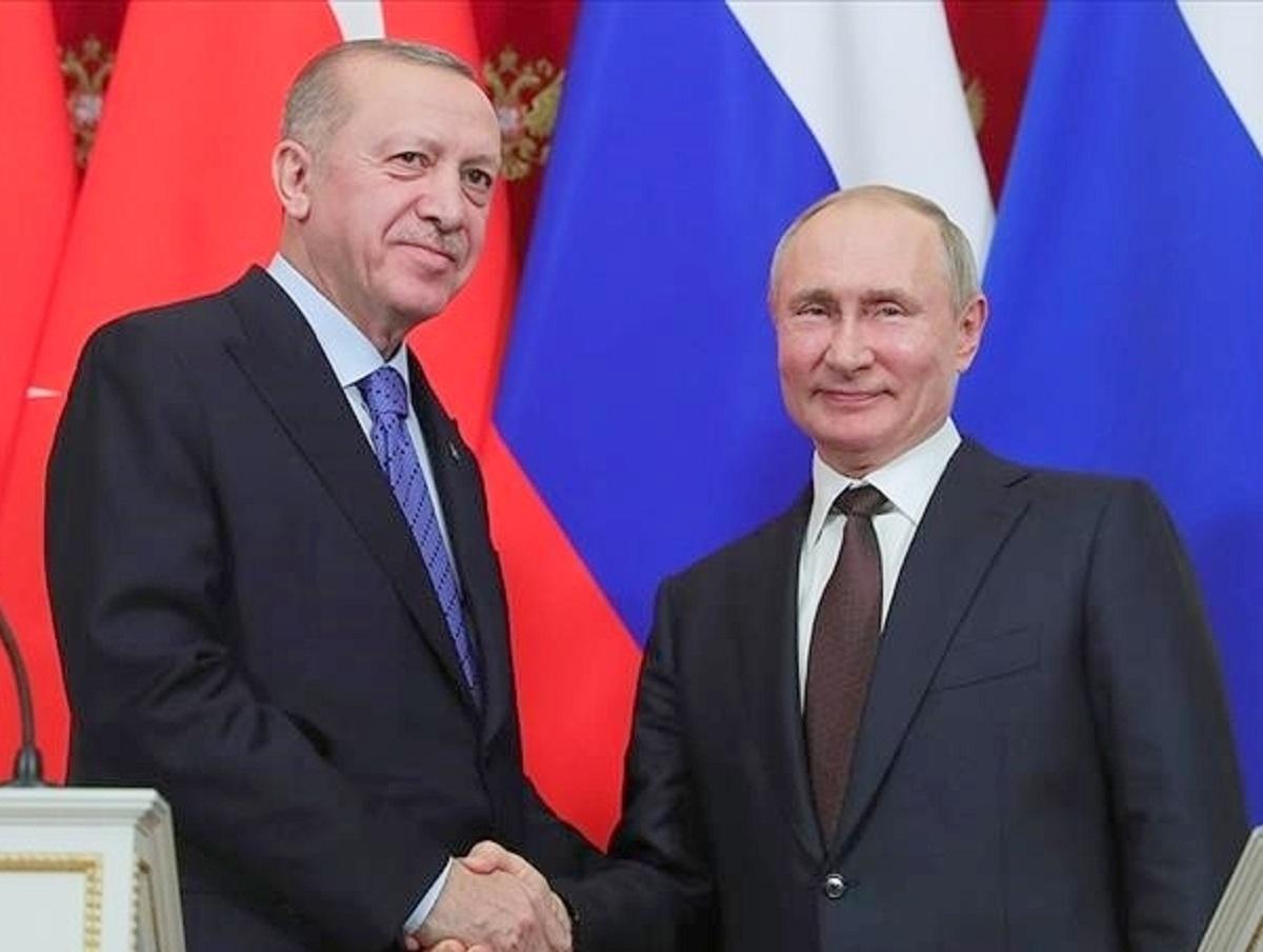Путин после двух недель самоизоляции встретился с Эрдоганом